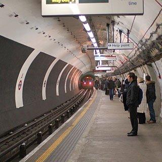 В канун олимпиады из Лондонского метрополитена демонтируют всю рекламу