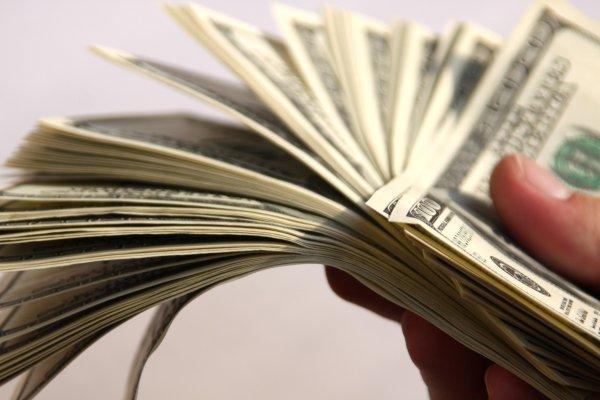 Беларусь хочет смягчить условия получения кредита от Сбербанка